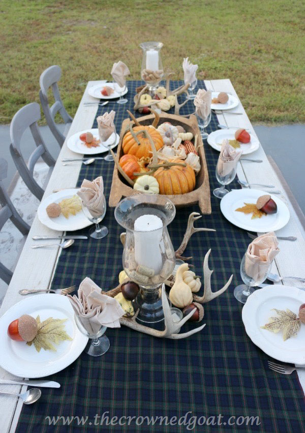 102215-41 Outdoor Entertaining: Fall Inspired Back Patio Decorating Fall Holidays