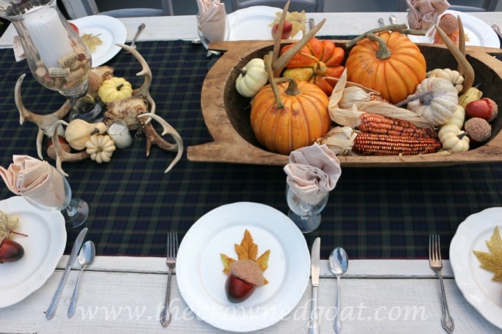 102215-7 Outdoor Entertaining: Fall Inspired Back Patio Decorating Fall Holidays