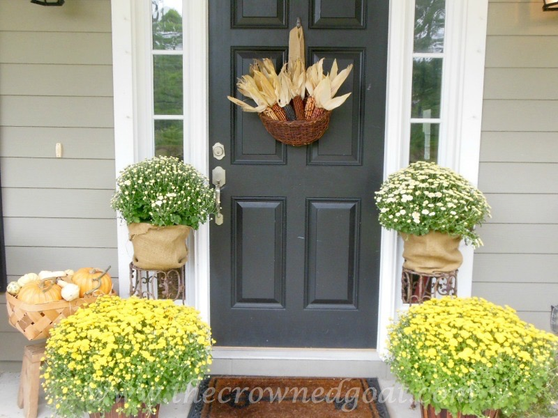2014-Fall-Porch-Tour-101415-4 Fall Inspired Front Door Décor Decorating Fall Holidays