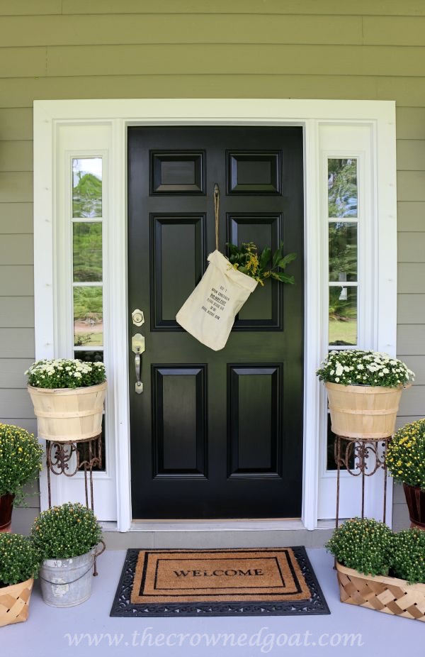 2015-Fall-Porch-Tour-101415-6 Fall Inspired Front Door Décor Decorating Fall Holidays