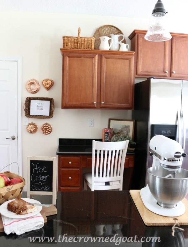 Fall-Inspired-Kitchen-100815-17 Autumn Apples Inspired Home Tour Decorating