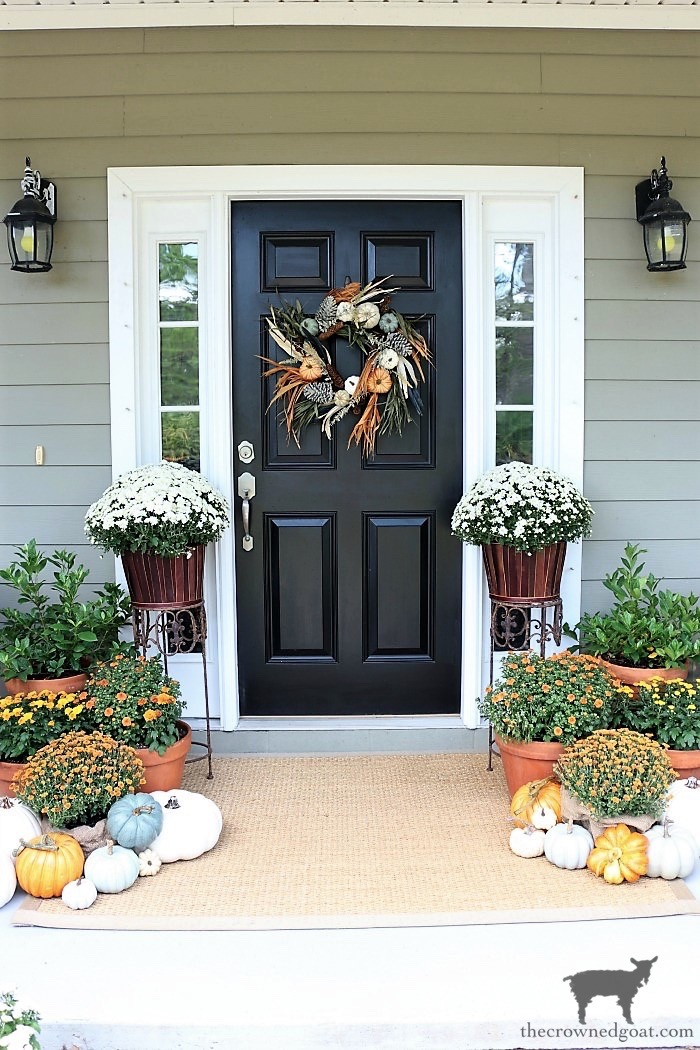 Fall-Wreaths-Autumn-Inspired-Door-Decor-The-Crowned-Goat-12 Fall Inspired Front Door Décor Fall Holidays