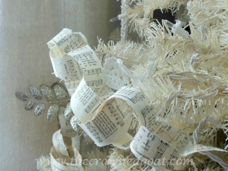 112415-8 Neutral Inspired Christmas Ideas Christmas Decorating Holidays