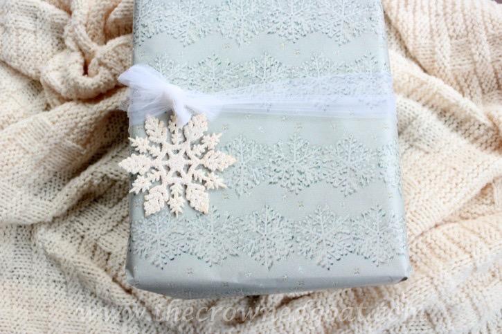 121015-15A Holiday Gift Wrap Ideas Christmas Holidays