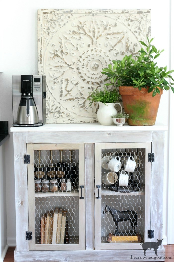Winter-Nesting-Cozy-Home-Tour-The-Crowned-Goat-9 Cozy Winter Nesting Ideas Decorating