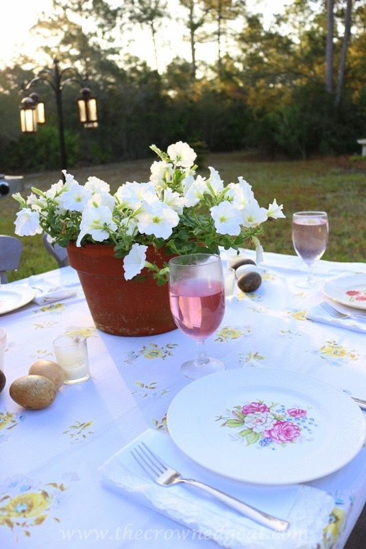 031716-10 Vintage Inspired Spring Tablescape Decorating DIY Spring