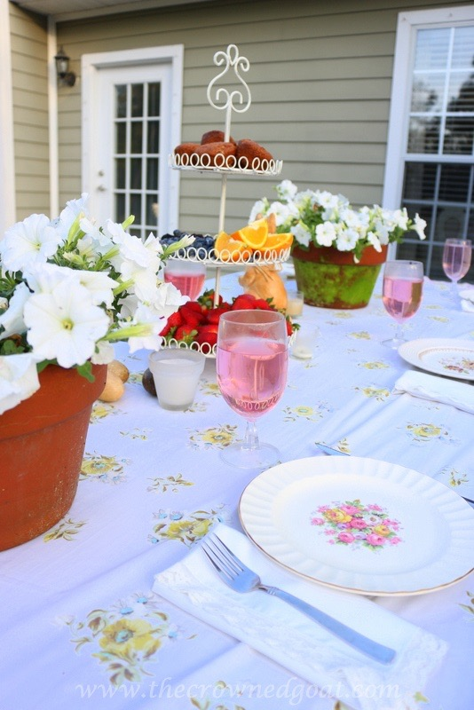 031716-13 Vintage Inspired Spring Tablescape Decorating DIY Spring