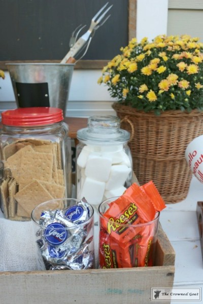 How to Create a Gourmet S'mores Bar
