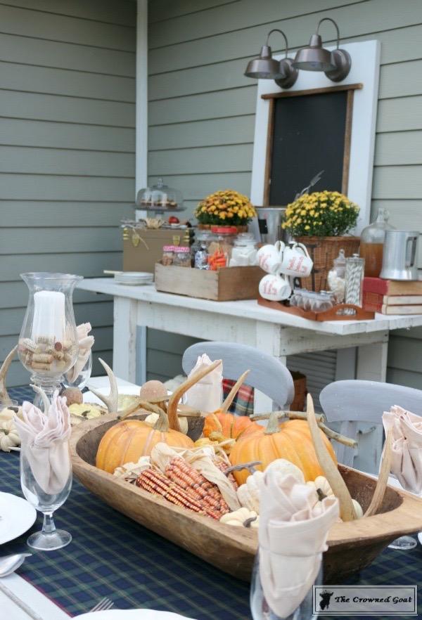 Outdoor-Fall-Tablescape-11 Outdoor Fall Tablescape Decorating DIY Fall Holidays