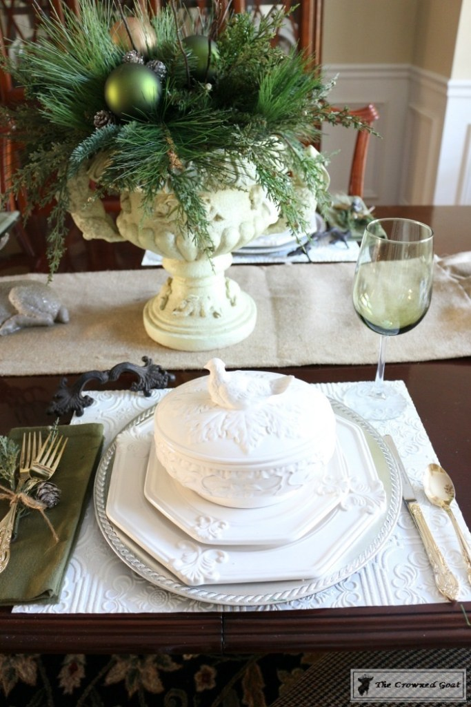 bliss-barracks-traditional-christmas-dining-room-4