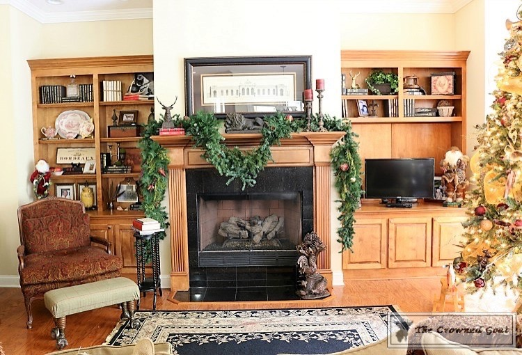 bliss-barracks-traditional-christmas-tree-living-room-7