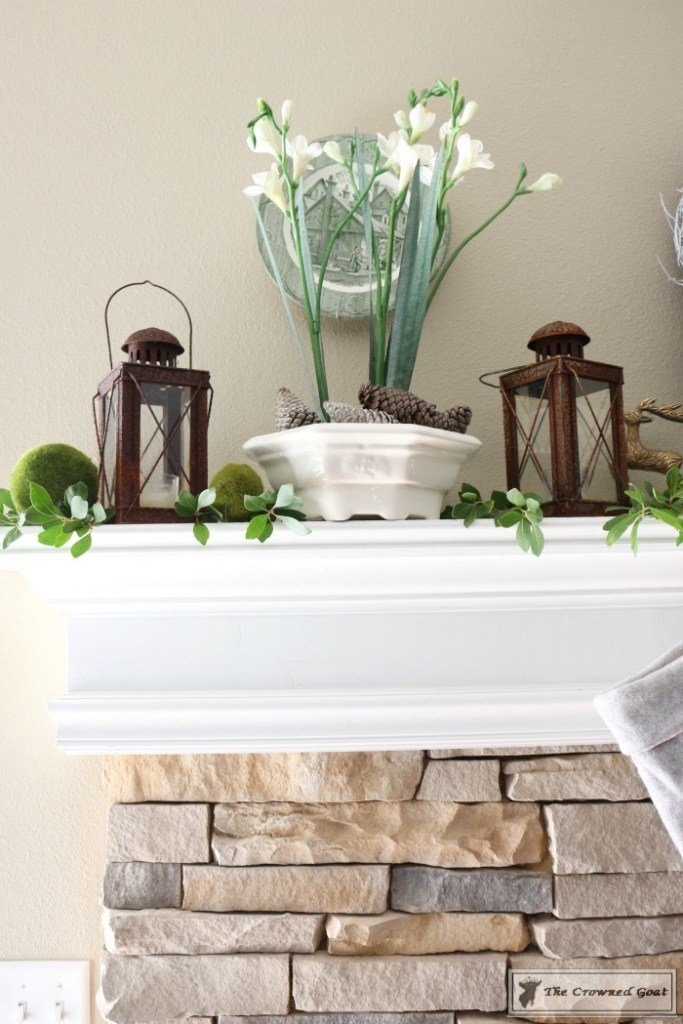nature-inspired-christmas-mantel-7