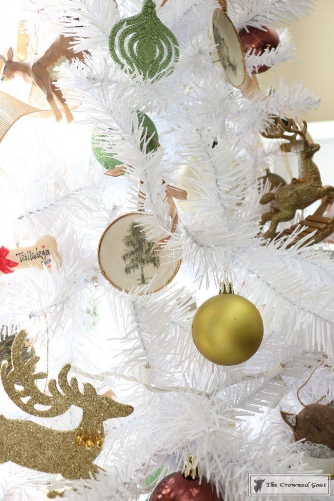 Nature-Inspired-Christmas-Tree-13-683x1024 Nature Inspired Mantel and Christmas Tree Christmas Decorating DIY Holidays