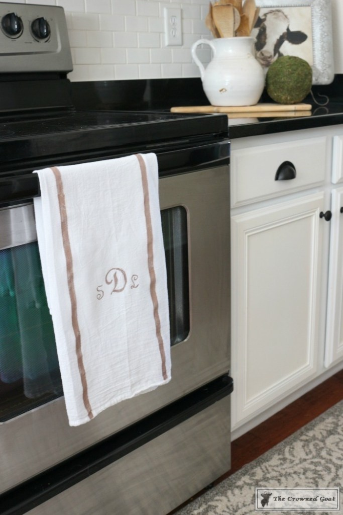 How to Make a Monogrammed Tea Towel-18