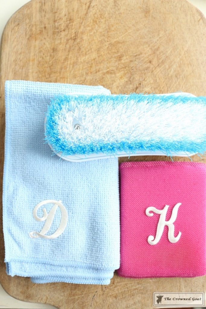 Easily-Label-Cleaning-Sponges-11-683x1024 How to Label Your Cleaning Sponges in Minutes DIY Organization