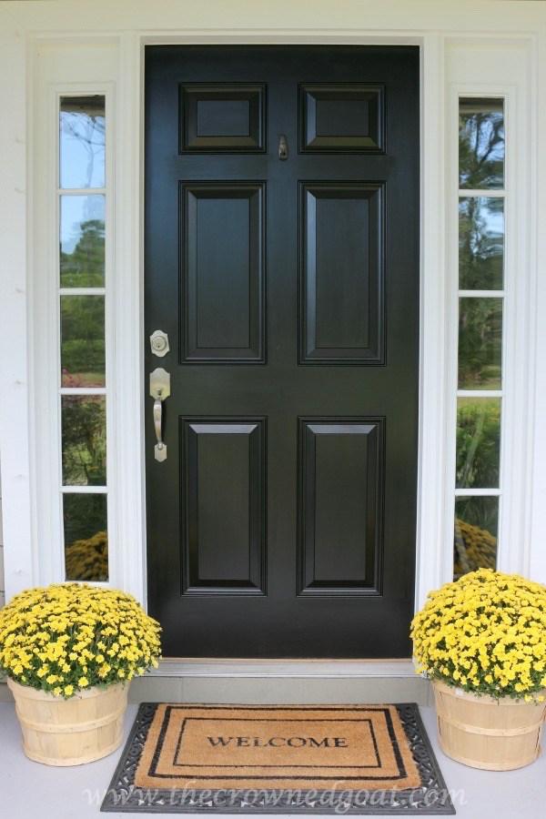Easy-Fall-Door-Decor-Ideas-10-1 Fall Wreaths & Autumn Inspired Door Décor DIY Fall Holidays