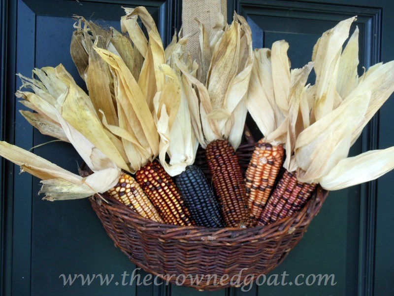 Easy-Fall-Door-Decor-Ideas-2-1 Fall Wreaths & Autumn Inspired Door Décor DIY Fall Holidays