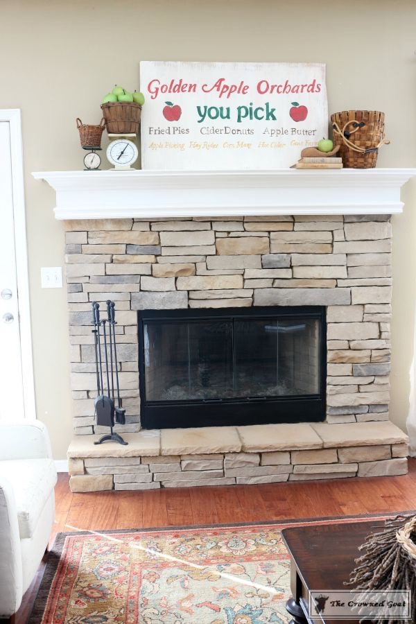 Easy-Fall-Mantel-Ideas-The-Crowned-Goat-6 5 Steps to Creating an Easy Fall Mantel Fall