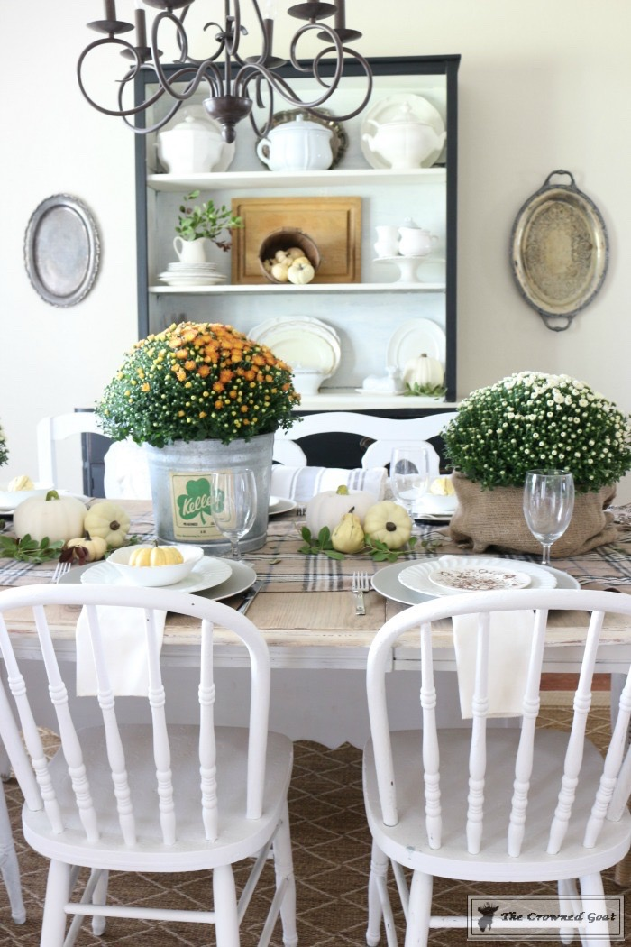 Fall-Decorating-Home-Tour-The-Crowned-Goat-11 The Busy Girl's Guide to Fall Decorating Home Tour Decorating Fall Holidays