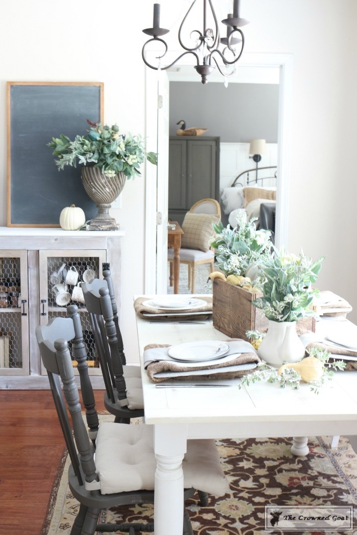Fall-Decorating-in-the-Breakfast-Nook-The-Crowned-Goat-13 Fall Decorating in the Breakfast Nook Fall