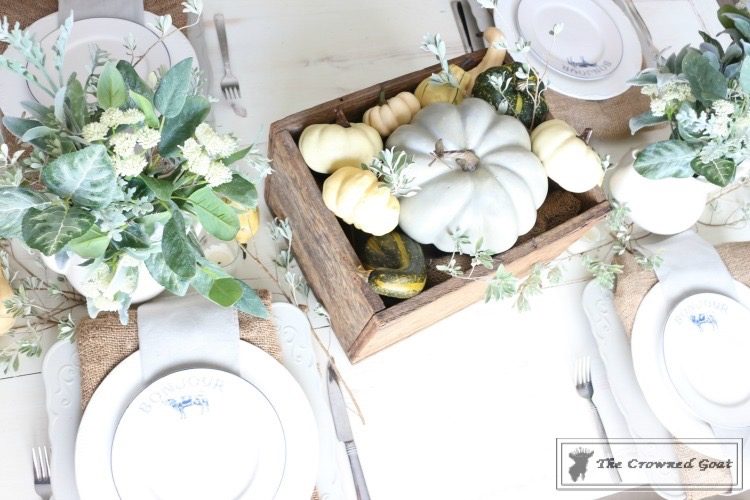 Fall-Decorating-in-the-Breakfast-Nook-The-Crowned-Goat-3 Fall Decorating in the Breakfast Nook Fall