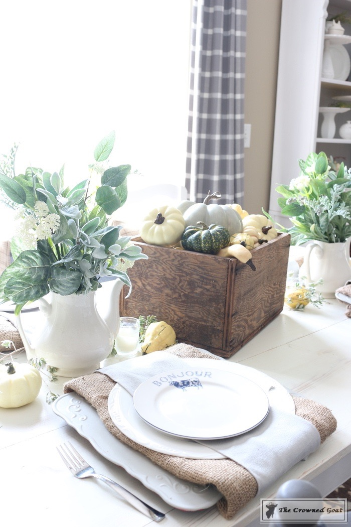 Fall-Decorating-in-the-Breakfast-Nook-The-Crowned-Goat-4 Fall Decorating in the Breakfast Nook Fall