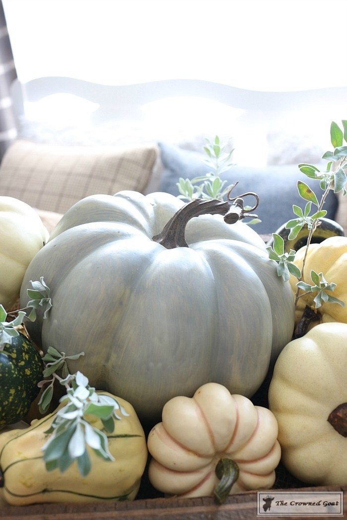 Fall-Decorating-in-the-Breakfast-Nook-The-Crowned-Goat-5 Fall Decorating in the Breakfast Nook Fall