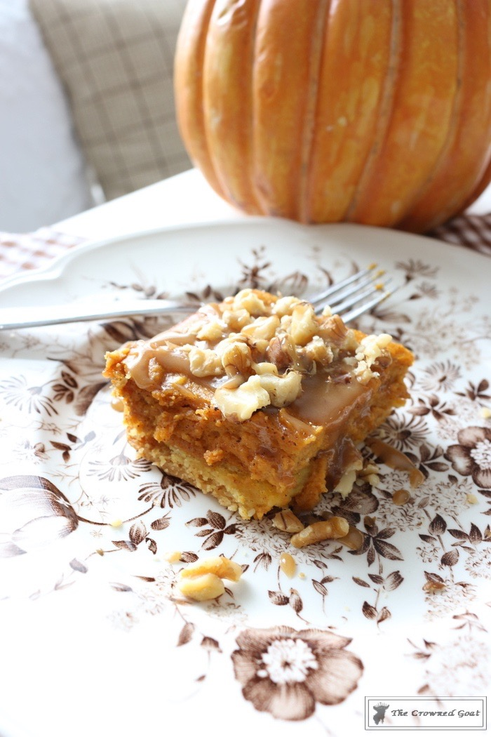 Salted-Caramel-Pumpkin-Spice-Gooey-Bars-The-Crowned-Goat-9-2 Salted Caramel Pumpkin Pie Gooey Bars Baking Fall
