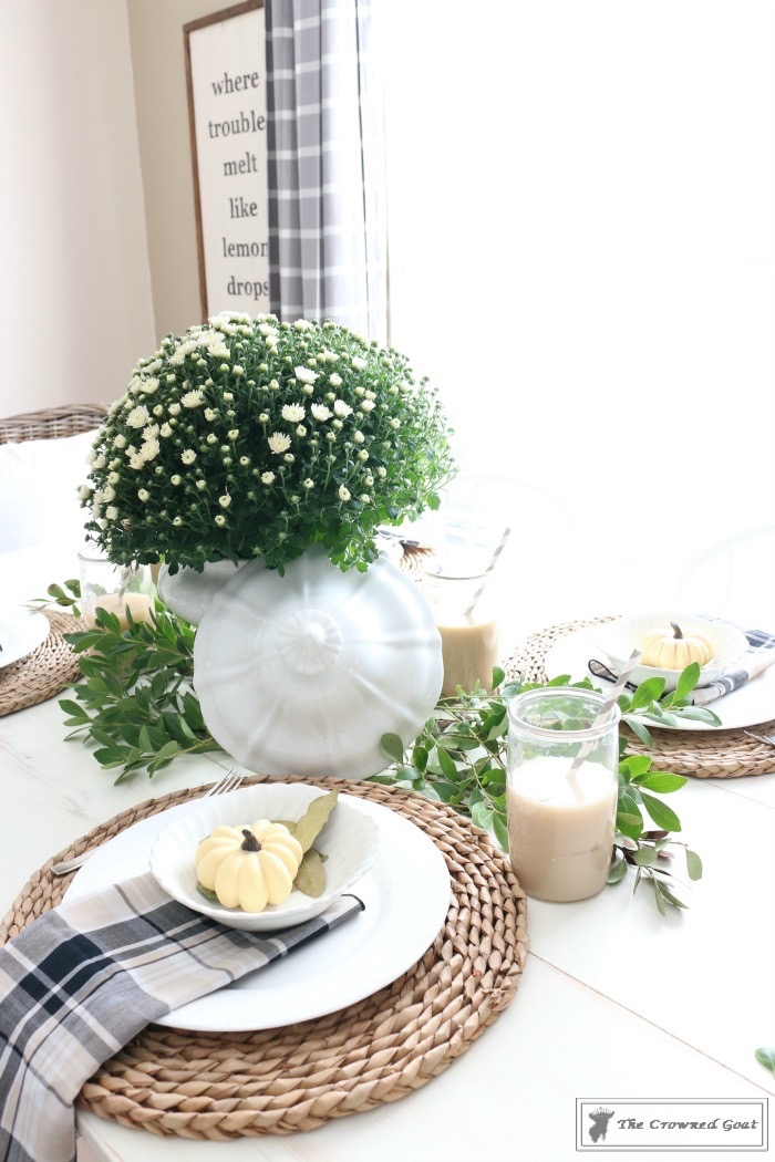 5-Easy-Thanksgiving-Tablescape-Tips-The-Crowned-Goat-17 5 Tips for an Easy Thanksgiving Tablescape Decorating Fall Holidays