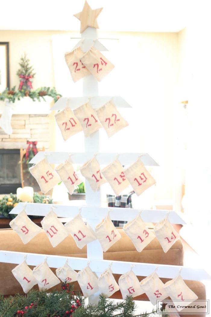 Christmas-Living-Room-Decorating-Inspiration-The-Crowned-Goat-1 Christmas Inspiration in the Living Room Christmas