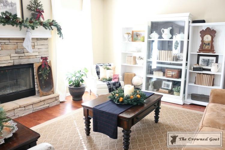 Christmas-Living-Room-Decorating-Inspiration-The-Crowned-Goat-12 Christmas Inspiration in the Living Room Christmas