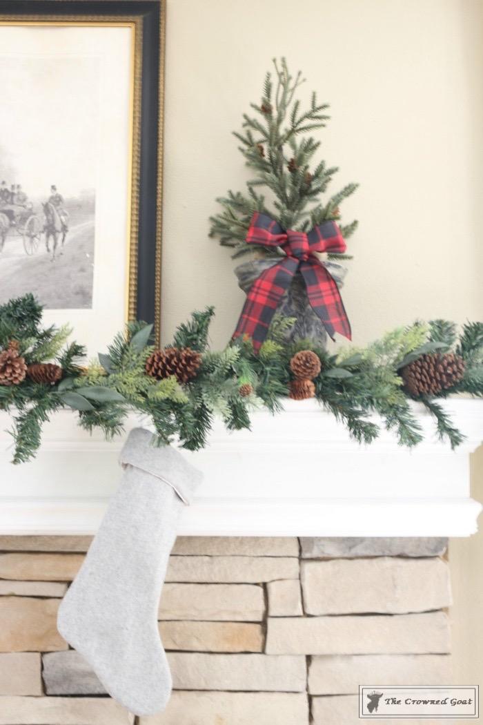 Christmas-Living-Room-Decorating-Inspiration-The-Crowned-Goat-5 Christmas Inspiration in the Living Room Christmas