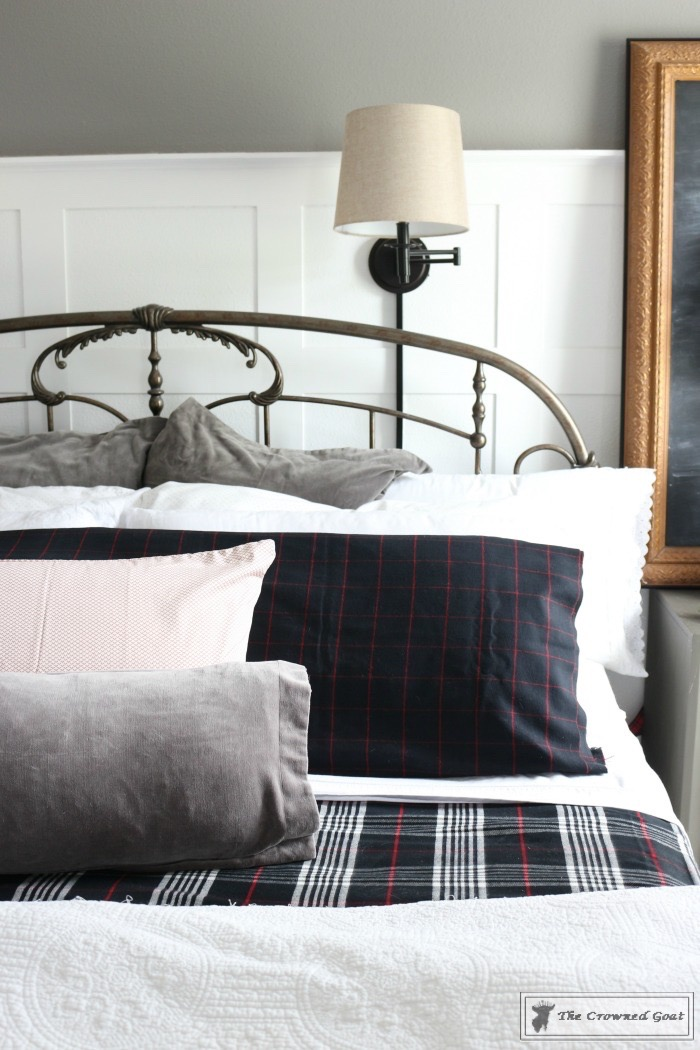 Christmas-Inspired-Bedroom-Ideas-The-Crowned-Goat-3 Christmas Bedroom Inspiration Christmas