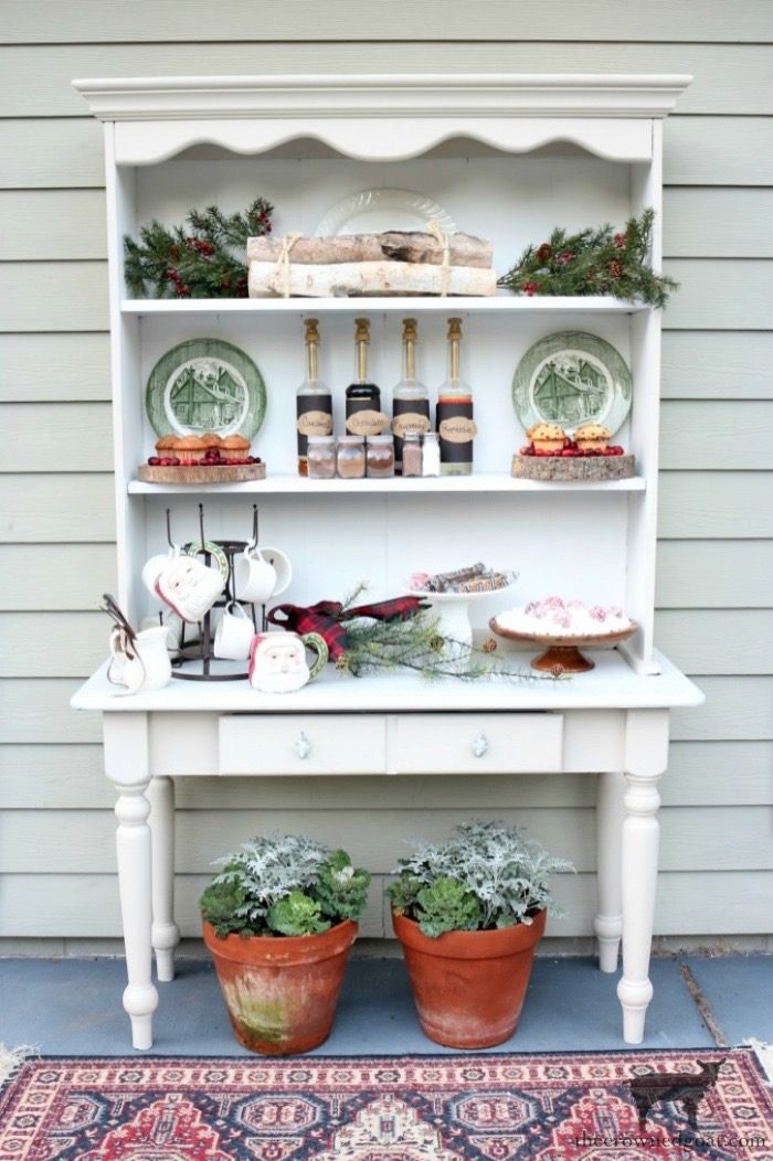 How-to-Create-an-Outdoor-Drink-Station-The-Crowned-Goat-12-1 Creating an Outdoor Drink Station Christmas Holidays