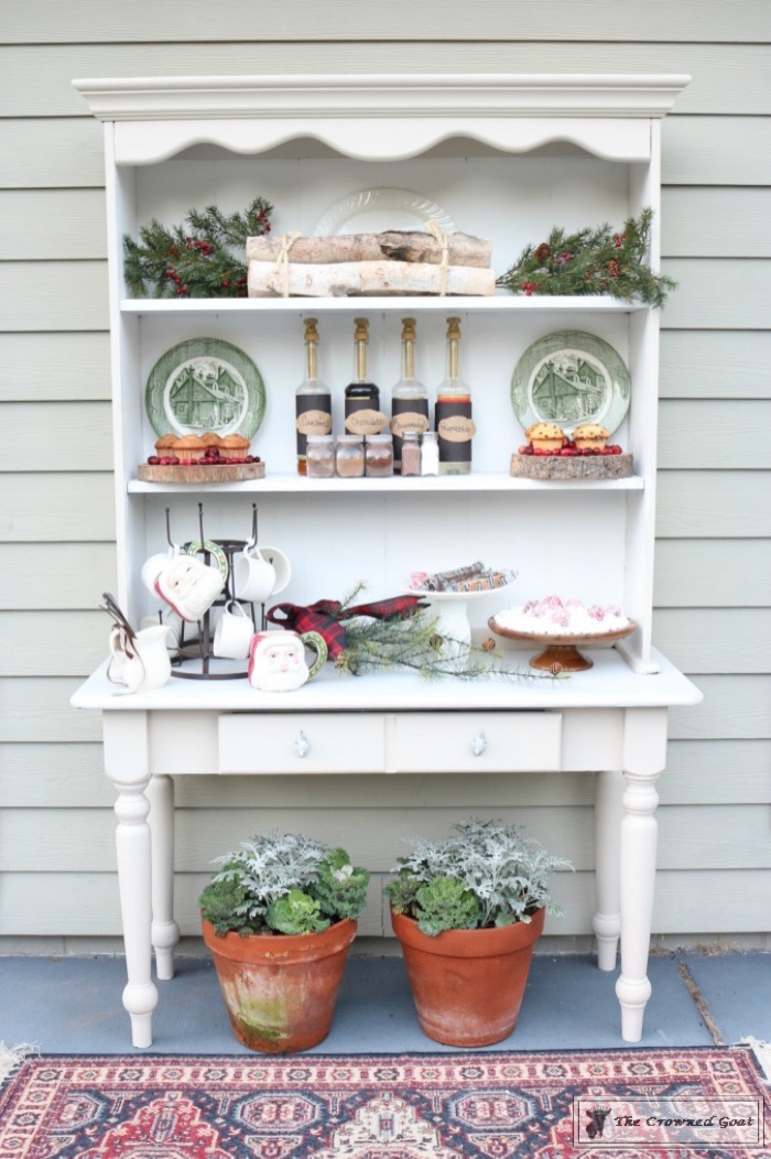 How-to-Create-an-Outdoor-Drink-Station-The-Crowned-Goat-12 Creating an Outdoor Drink Station Christmas