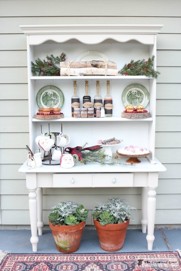 How-to-Create-an-Outdoor-Drink-Station-The-Crowned-Goat-3 Creating an Outdoor Drink Station Christmas