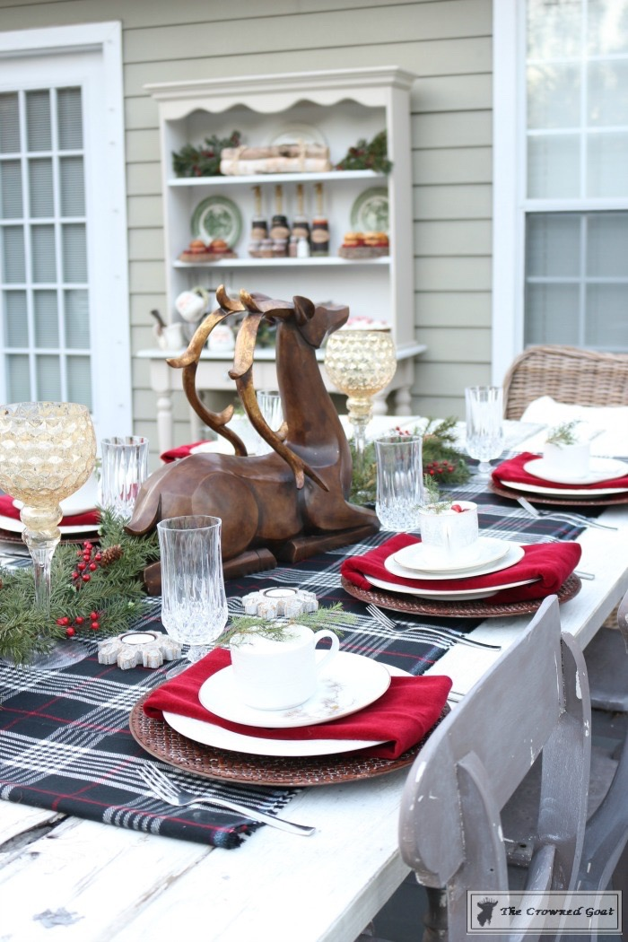 Outdoor-Christmas-Tablescape-The-Crowned-Goat-12 Outdoor Christmas Tablescape Christmas