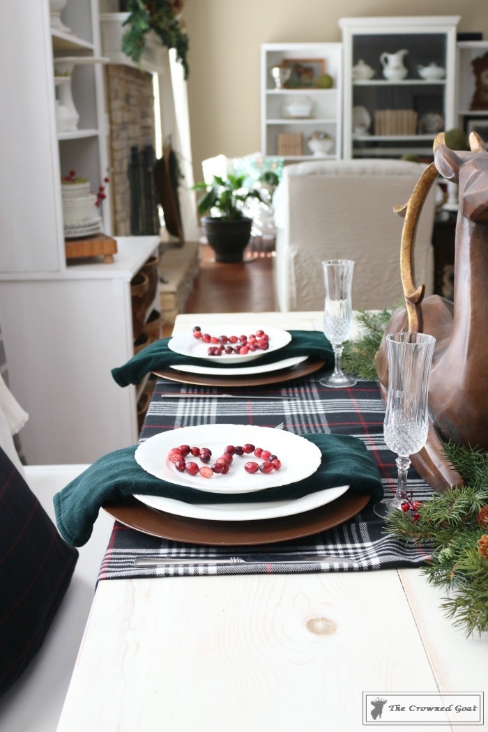 Simple-Christmas-Breakfast-Nook-The-Crowned-Goat-16 Simple Christmas Breakfast Nook Christmas