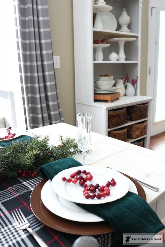 Simple-Christmas-Breakfast-Nook-The-Crowned-Goat-5 Simple Christmas Breakfast Nook Christmas