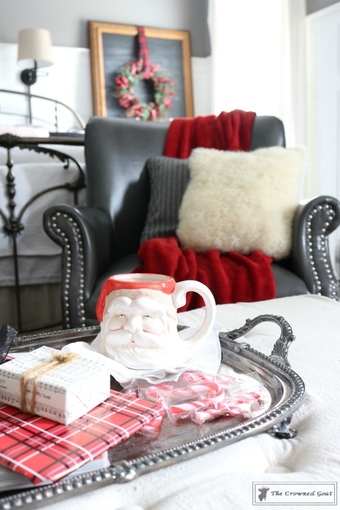 Simple-Christmas-Inspired-Bedroom-Ideas-The-Crowned-Goat-8 From the Front Porch From the Front Porch
