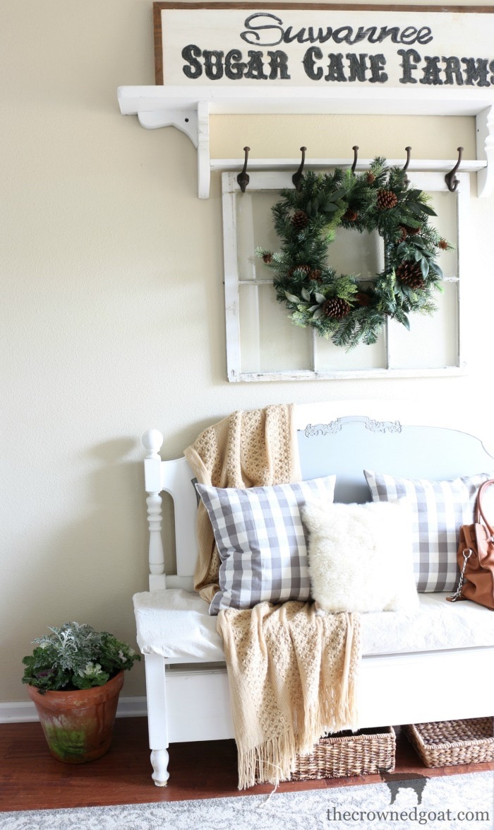 Winter-Decorating-Ideas-The-Crowned-Goat-6 8 Simple Winter Decorating Tips Decorating