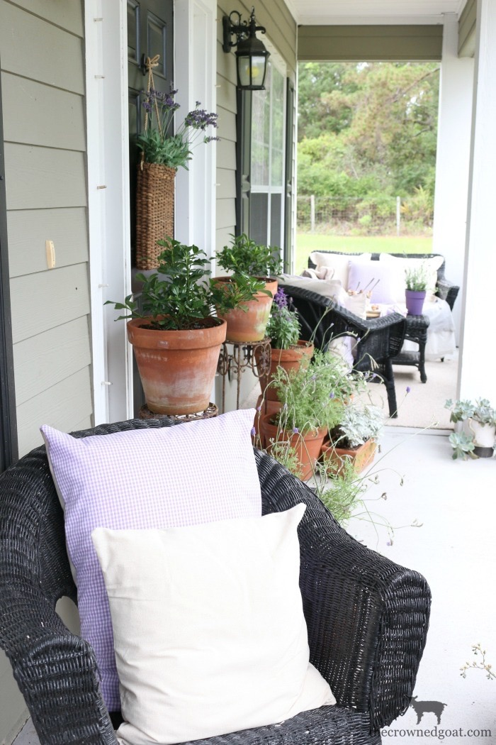 Summer-Front-Porch-Tour-The-Crowned-Goat-19 Summer Front Porch Tour Decorating DIY Summer
