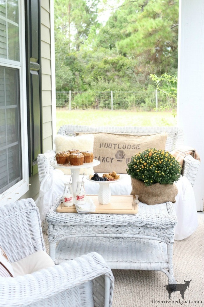 Easy-Ways-to-Find-Fall-Inspiration-The-Crowned-Goat-1 9 Quick & Easy Ways to Find Fall Inspiration Decorating Fall Organization