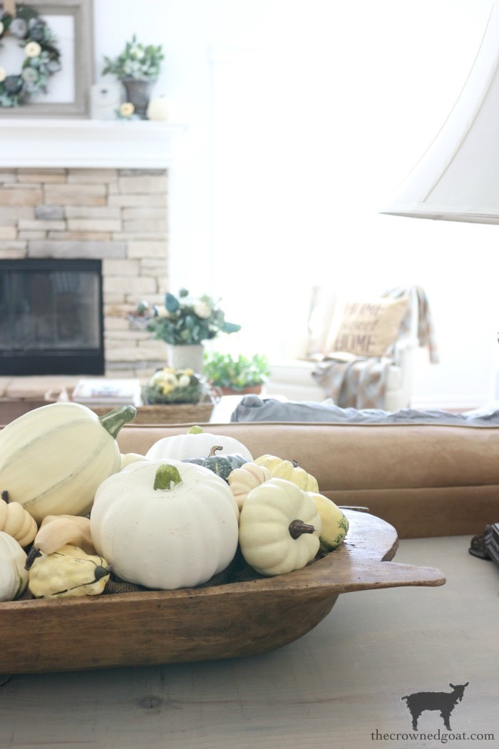 Fall-Inspired-Living-Room-Mantel-The-Crowned-Goat-16 Fall Inspired Living Room and Mantel Decorating DIY Fall