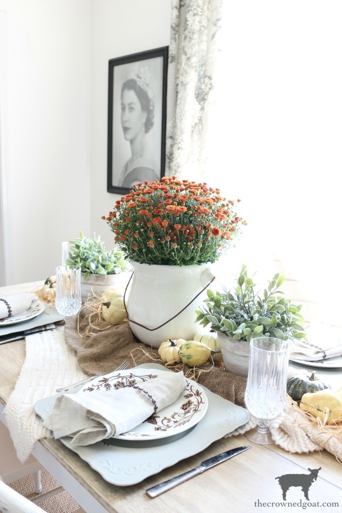 Festive-Fall-Tablescape-Tips-The-Crowned-Goat-11 5 Easy Tips for a Festive Fall Tablescape Decorating Fall