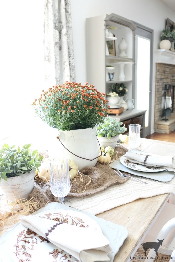 Festive-Fall-Tablescape-Tips-The-Crowned-Goat-3 5 Easy Tips for a Festive Fall Tablescape Decorating Fall