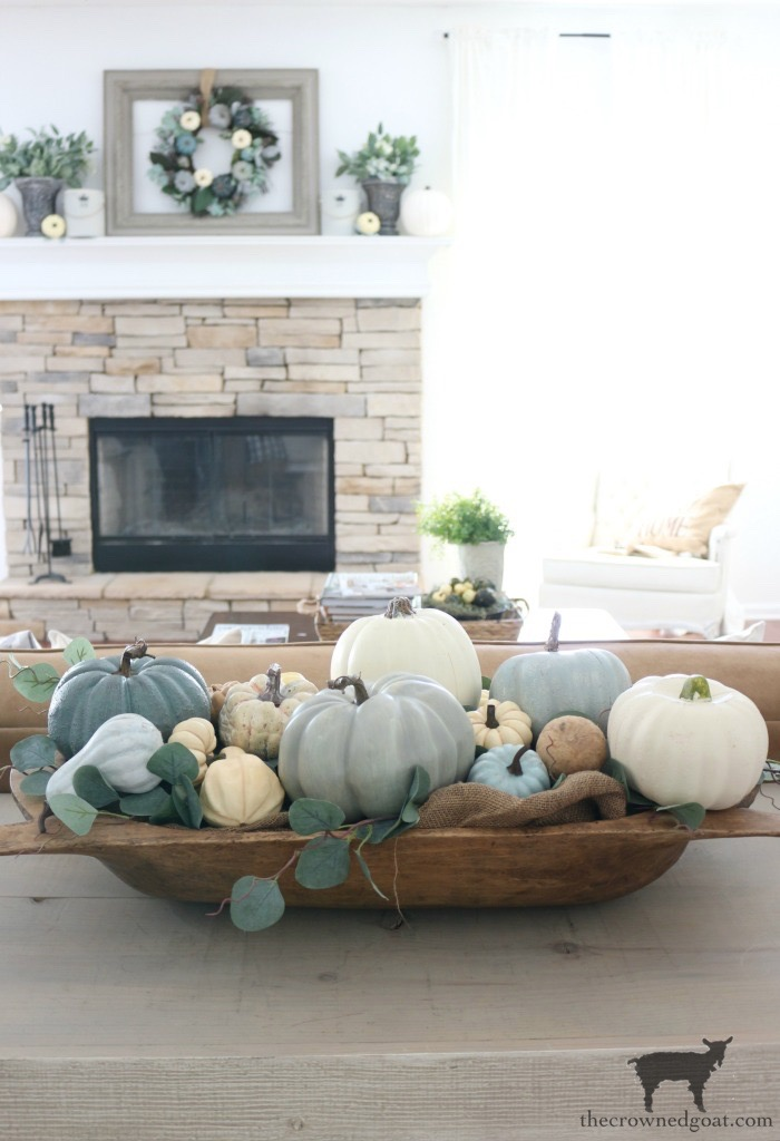 Creating-an-Heirloom-Pumpkin-Centerpiece-The-Crowned-Goat-1 Quick & Easy Heirloom Pumpkin Centerpiece Decorating DIY Fall