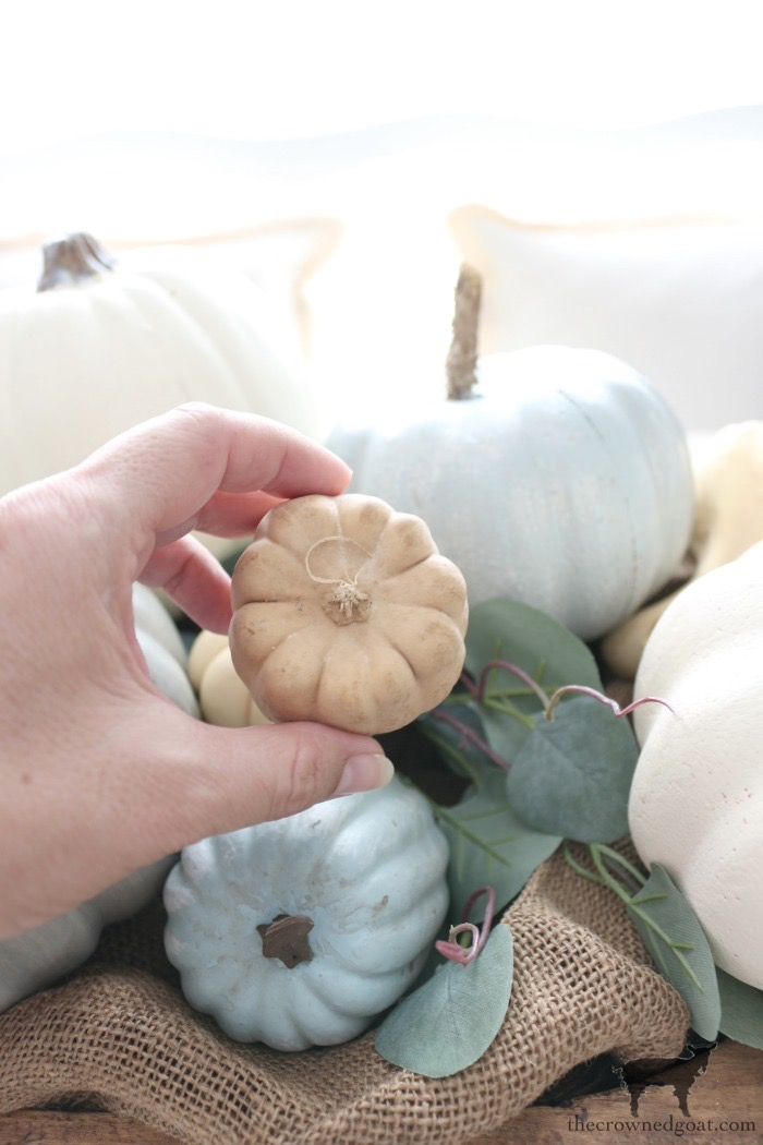 Creating-an-Heirloom-Pumpkin-Centerpiece-The-Crowned-Goat-7 Quick & Easy Heirloom Pumpkin Centerpiece Decorating DIY Fall