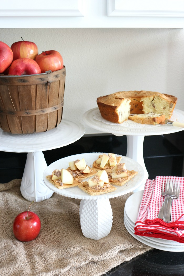 Decorating-with-Baskets-for-Fall-The-Crowned-Goat-11 15 Ways to Decorate with Baskets for Fall Uncategorized