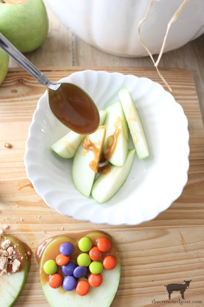 Easy-Caramel-Apple-Slices-The-Crowned-Goat-11 Quick & Easy Caramel Apple Slices Fall